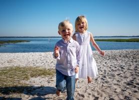 Hervats on holiday kiddos on beach